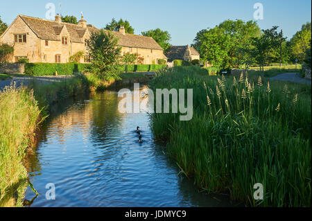 Lower Slaughter and the River Eye in the Cotswolds, Gloucestershire - Stock Image