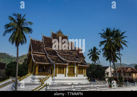 A Wat (Buddhist temple) in Luang Prabang, Laos - Stock Image