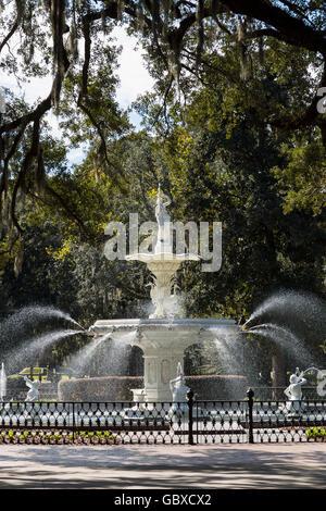 Fountain in Forsyth Park, Savannah, GA, USA - Stock Image