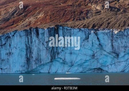 Greenland. Scoresby Sund. Gasefjord. Face of a glacier. - Stock Image