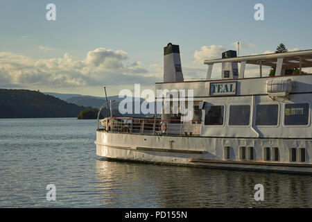 MV Teal, a popular tourist boat on Lake Windermere, Bowness, Windermere, Lake District National Park, Cumbria, England, UK - Stock Image