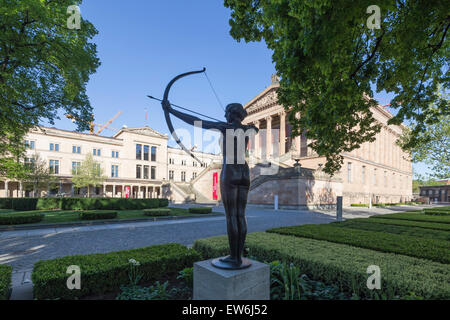 Bow Women, Old National Gallery, Old Museum, Museum Island, Berlin Mitte, Germany - Stock Image