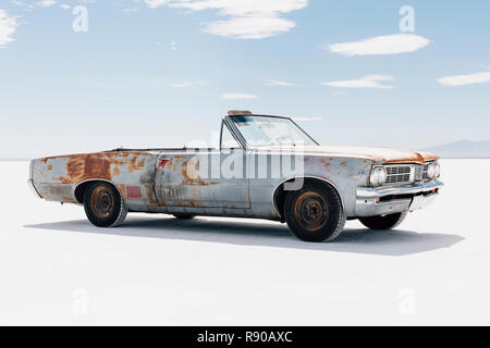 Old Pontiac convertible parked on Salt Falts - Stock Image
