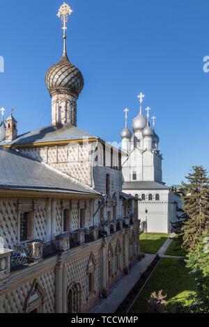 Church of the Virgin Hodegetria and Church of the Resurrection of Christ, Kremlin, Rostov Veliky, Russia - Stock Image