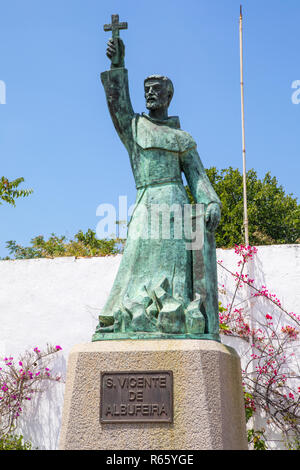 A statue of Sao Vicente, located in the old town area of Albufeira in Portugal.  Sao Vicente was a Saint born in the late 16th Century. - Stock Image