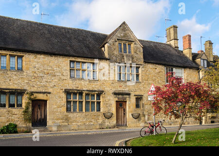 Old Cotswold stone buildings houses in historic Cotswolds village. Chipping Campden, Gloucestershire, England, UK, Britain - Stock Image