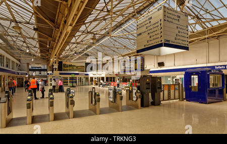 INVERNESS CITY SCOTLAND CENTRAL CITY SCOTRAIL RAILWAY STATION INTERIOR OF BUILDING - Stock Image