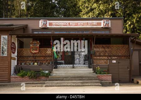 Whonnock Red & White Store in the community of Whonnock, Maple Ridge, British Columbia, Canada - Stock Image