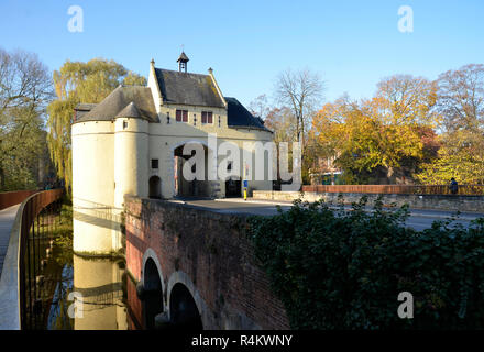 Smedenpoort, one of the city gate that ring the Belgian city of Bruges - Stock Image