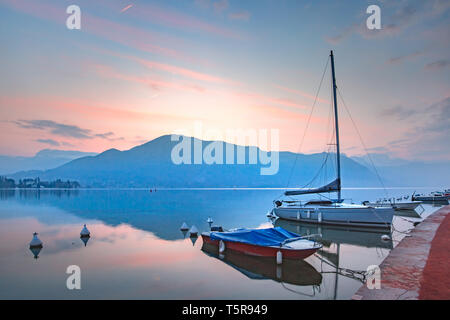 Annecy lake and Alps mountains, France - Stock Image