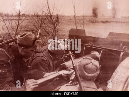 736. Russia. Soviet artilleryman of the 2nd Ukrainian Forces outside Budapest. 12the January 1944. - Stock Image