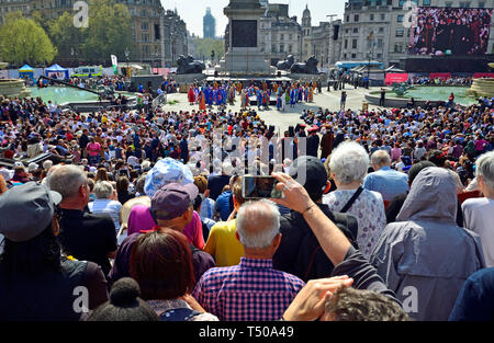 London, UK. 19th Apr 2019. On Good Friday, thousands gather in Trafalgar Square to watch The Passion of Jesus performed by the Wintershall Players. Huge crowds in Trafalgar Square Credit: PjrFoto/Alamy Live News - Stock Image