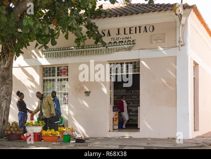 Grocery store in an old portuguese colonial building, Namibe Province, Namibe, Angola - Stock Image