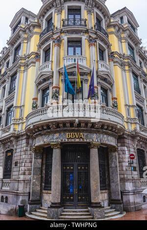 Banco Bilbao Vizcaya Argentaria - BBVA bank building on Calle Mendizabal street, in Oviedo in Asturias region, Spain - Stock Image