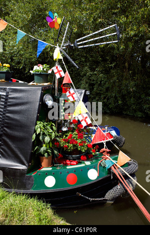 A colourfully decorated narrowboat at the 2011 Inland Waterways Festival, at Burton on Trent, England, UK, GB, Great, - Stock Image