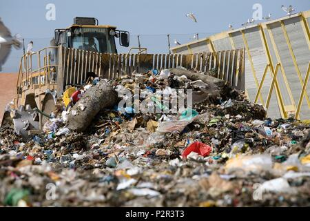 France, Bouches du Rhone, Aix en Provence, the ultimate waste disposal center on the Arbois plateau - Stock Image