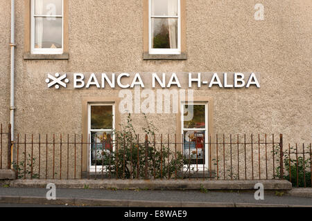 Scottish Gaelic sign for the Bank of Scotland in the Outer Hebrides - Stock Image
