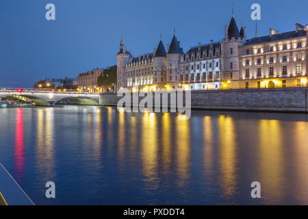 Seine and Conciergerie, Paris, France - Stock Image