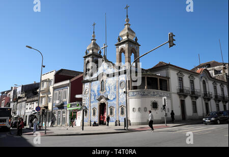Igreja Paroquial do Carvalhido church azulejo tiles on the corner of Praça do Exército Libertador and  Rua da Prelada Porto Portugal EU KATHY DEWITT - Stock Image