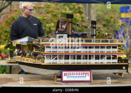 Hempstead, New York, U.S. - May 4, 2014 - A large Mississippi Riverboat display model, built by Anthony DiCosimo, is on display at the 31st Annual Dutch Festival, outdoors on the South Campus of Hofstra University.  A Long Island tradition. Credit:  Ann E Parry/Alamy Live News - Stock Image