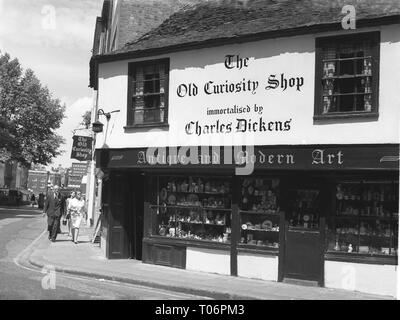 1960s, Exterior of the Old Curiosity Shop immortalised by Charles Dickens, London, England, UK. - Stock Image