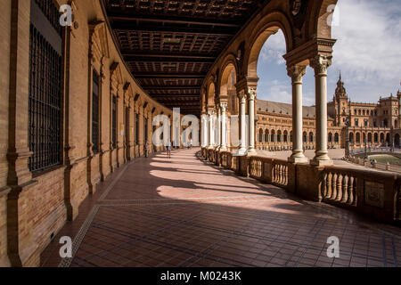 SEVILLE, ANDALUSIA / SPAIN - OCTOBER 13 2017: SPAIN SQUARE COLONNADE - Stock Image