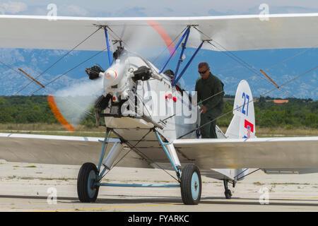 Po-2 biplane aircraft engine running propeller turning - Stock Image