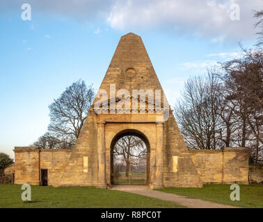 The Obelisk Lodge, Nostell Priory, West Yorkshire, UK. - Stock Image