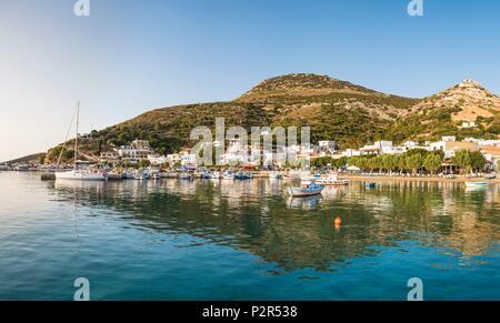 Greece, Fourni Korseon archipelago, Fourni island, the main harbour of the island - Stock Image