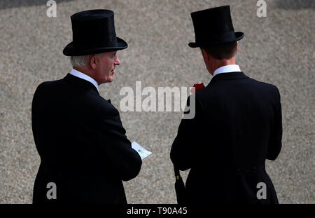 Guests during a garden party at Buckingham Palace in London. - Stock Image