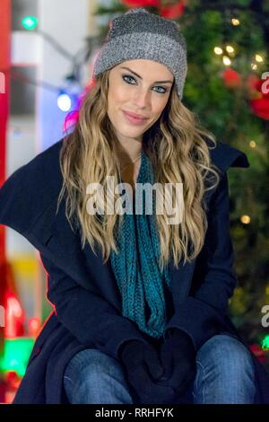 MAGICAL CHRISTMAS ORNAMENTS, JESSICA LOWNDES, 2017 - Stock Image