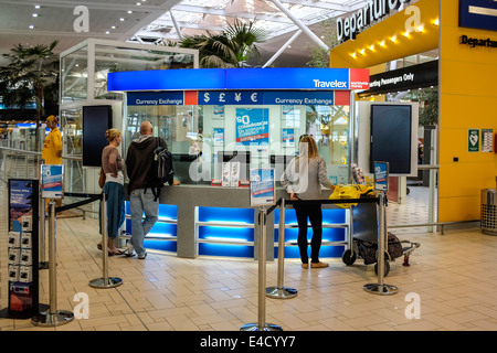 Currency exchange office at Brisbane International airport - Stock Image
