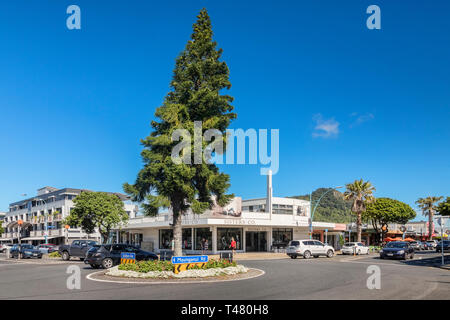16 December 2018: Mount Maunganui, New Zealand - Intersection and roundabout in Mount Maunganui centre. - Stock Image