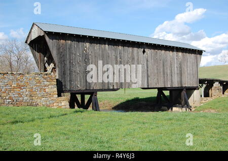 Goddard Covered Bridge in Fleming County Kentucky across Sand Lick Creek - Stock Image
