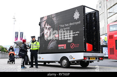 Brighton, UK. 15th Mar, 2019. Sussex Police Bin the Blade campaign in the centre of Brighton today as part of Operation Sceptre . Operation Sceptre, is a national campaign which takes place twice a year supporting the work Sussex Police carry out to ensure residents are safe from knife crime in their communities. Credit: Simon Dack/Alamy Live News - Stock Image