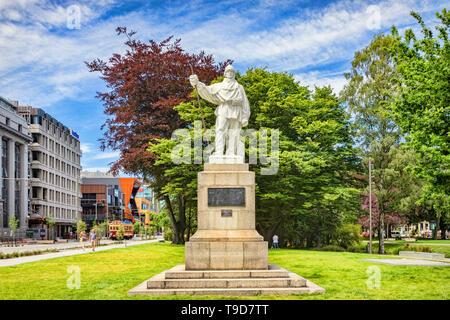 3 January 2019: Christchurch, New Zealand - Statue of Captain Robert Falcon Scott beside the Avon River in Christchurch. The statue was sculpted by hi - Stock Image