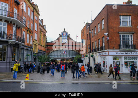 16 December 2018, Windsor, UK - Windsor Royal Shopping Centre, part of the Windsor & Eton Central railway station - Stock Image
