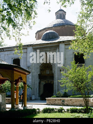 Turkey. Minor Asia. Bursa. Green Mosque (Yesil  Camii) or Mosque of Mehmed I. Its construction was ordered by Sultan Mehmed I Celebi. It was built between 1419-1421 by architect Haci Ivaz Pasha. Exterior view. Ottoman era. Bursa style. - Stock Image