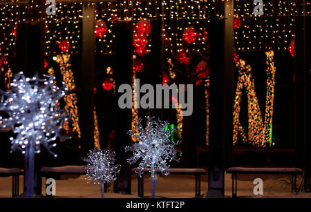 Yorkville, Toronto, Canada. 25th Dec, 2017. Christmas lights as part of Toronto Yorkville Holiday Magic 2017 on - Stock Image