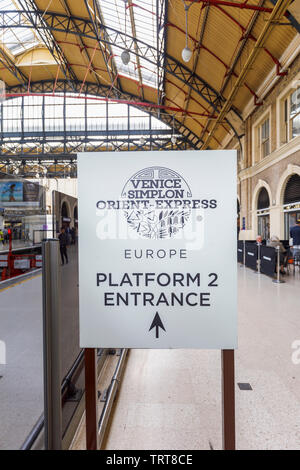 Belmond Venice Simplon Orient Express departure lounge check-in point entrance direction sign at Platform 2 Victoria Station, London SW1 - Stock Image