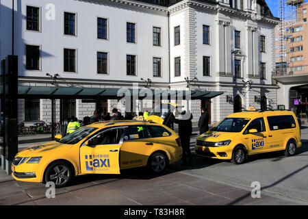 Sverige taxi cabs outside the Central train station, Stockholm City, Sweden, Europe - Stock Image
