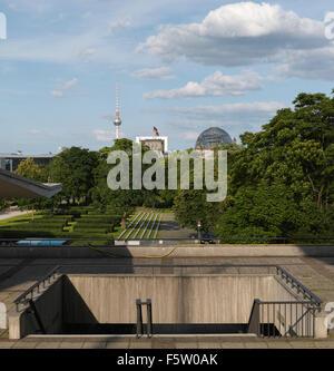 View from the 'Haus der Kulturen der Welt' towards Reichstag parliament building and TV tower on Alexanderplatz. - Stock Image