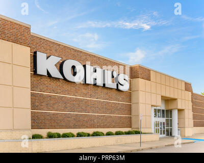 Kohl's department store front exterior entrance with the company logo sign on the building in Montgomery, Alabama USA. - Stock Image