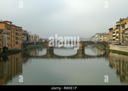 The Ponte Santa Trìnita (1569)  in Firenze, Italy,  is the oldest elliptic arch bridge in the world - Stock Image