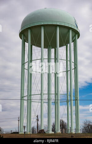 HICKORY, NC, USA-2/1/19: An elevated water storage tank. - Stock Image