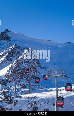 Austria, Tyrol, Pitztal, Mittelberg, Pitztal Glacier ski area, ski lifts by the Gletcherexpress train station - Stock Image