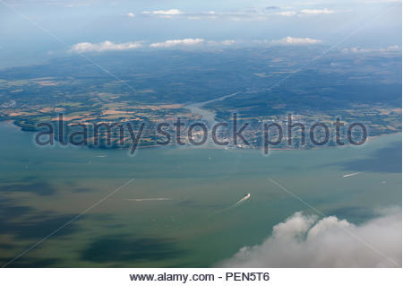 Southampton UK Aerial view of the Solent, the Isle of Wight with Cowes and the River Medina. - Stock Image