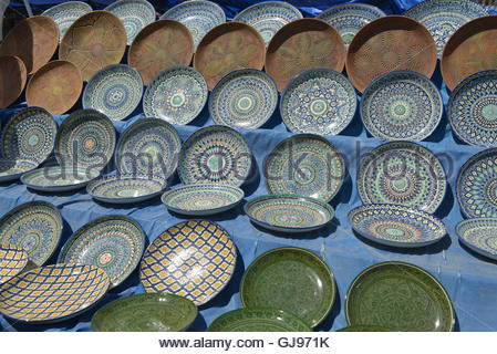 Oriental tableware and Uzbek Souvenirs are sold at the Central Bazaar in Tashkent. - Stock Image