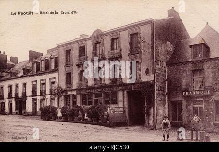 Le Faouet, Morbihan department, Brittany, France - Hotel de la Croix d'Or on Place Bellanger. - Stock Image