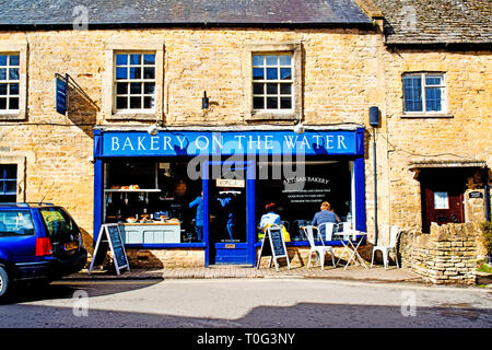 Bourton on the Water, Cotswolds, Bakery, Gloucestershire, England - Stock Image